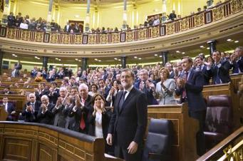 El PSOE hace Presidente a Mariano Rajoy.