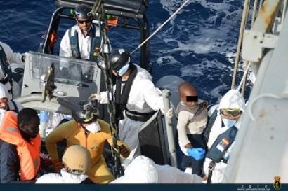 Rescate  en alta mar por la Fragata Navarra.